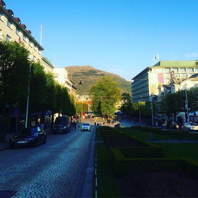 elsker, elsker, elsker Bergen by. #bergen #skbrann #medieleder16 #nordiskemediedager #redaktørliv