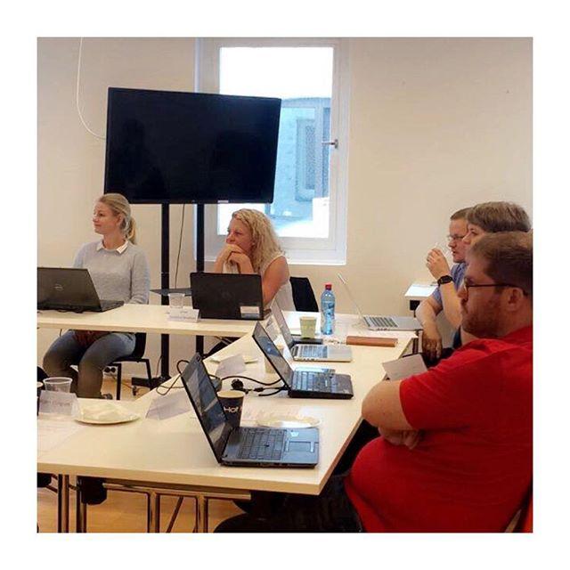 Kurs for digitalredaktører på Oslo Media House i dag #nrkompetanse #redaktørliv @62arne og @jonwaas var kursledere. Handlet bla om hva du kan hente...