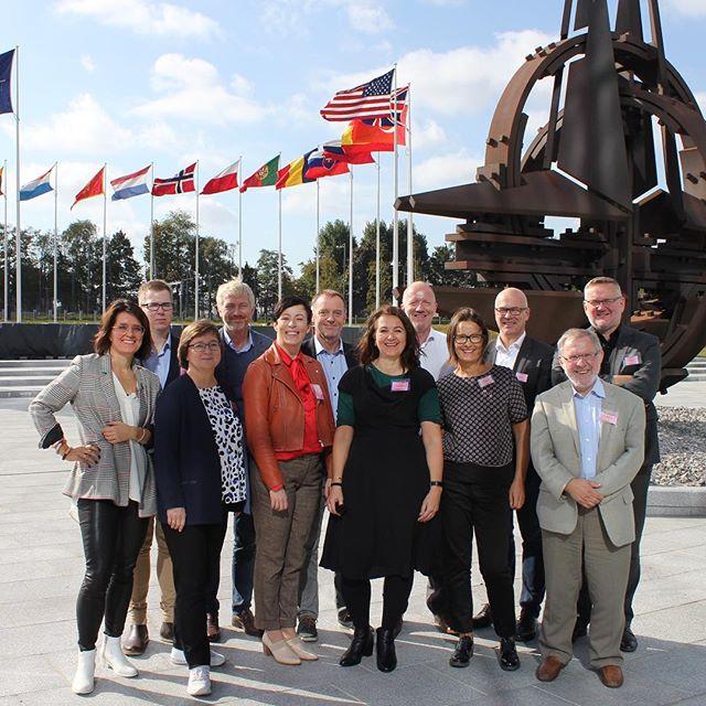 NR inn og ut av NATO og EU - og gode og gode strategidiskusjoner. Definitivt #redaktørliv #brussel #tusentakk til alle som bidro!